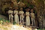 Mur de tombes près de Rantepao, Toraja zone, Sulawesi, en Indonésie, l'Asie du sud-est, Asie