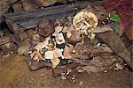 Cave tombe à Londa, Toraja de Sulawesi, en Indonésie, l'Asie du sud-est, région Asie