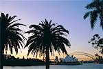 Opéra de Sydney et le Harbour Bridge au crépuscule, Sydney, New South Wales, Australie