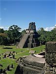 Temple II, grande place, Tikal, Site du patrimoine mondial de l'UNESCO, le Guatemala, l'Amérique centrale