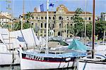 Port et hôtel de ville, Cannes, Cote d'Azur, Alpes-Maritimes, Provence, France