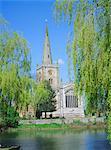 Holy Trinity church from the River Avon, Stratford-upon-Avon, Warwickshire, England, United Kingdom, Europe