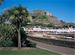 Château de Mont Orgueil, des palmiers et des quais, Gorey, Jersey, îles anglo-normandes, Royaume-Uni, Europe