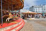 Karussell am Strand von Brighton, Brighton, Sussex, England, Vereinigtes Königreich, Europa
