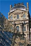 La Pyramide et Musée du Louvre, Paris, France, Europe