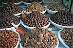 Figues et dates à vendre dans le souk de la Medina, Fès El Bali (Fez), Maroc, Afrique du Nord, Afrique