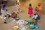 Bambara women in the market, Segoukoro, Segou, Mali, Africa