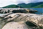 Rochers sur la côte, Ile Therese (île de Thérèse), Côte Nord-Ouest, l'île de Mahé, Seychelles, océan Indien, Afrique