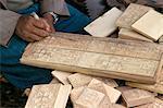 Sculptor working in wood,Axoum (Aksum) (Axum),Tigre region,Ethiopia,Africa