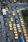 Taxis sur Park Avenue, New York, États-Unis d'Amérique, l'Amérique du Nord