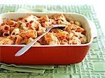 Gebackene Rigatoni mit Marinara Sauce, Sahne Pilz Suppe, Mozzarella und Parmesan