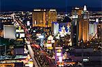 Néons le strip à la nuit, Las Vegas, Nevada, États-Unis d'Amérique, l'Amérique du Nord