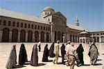 Pèlerins à Omeyyades mosquée, Site du patrimoine mondial de l'UNESCO, Damas, Syrie, Moyen-Orient