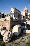 Les Forums Impériaux, Settimio Severo arch et l'église de San Francesco dei Falegnami, Rome, Lazio, Italie, Europe