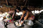 Indiens Embera, cuisson, Parc National de Soberania, Panama, Amérique centrale