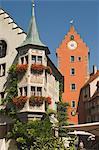 Tours de porte et coin de détail traditionnel, Meersburg, Bade-Wurtemberg, lac de Constance, Allemagne, Europe
