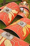 Schilde und Helme der Ermine Street Guard, römischen Kastells Birdoswald, Hadrianswall, Northumbria, England, Vereinigtes Königreich, Europa