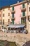A harbourside cafe at Pai, Lake Garda, Veneto, Italy, Europe