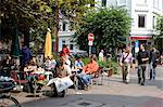 Cafe Unter den Linden on Lippmannstrasse in the trendy area of Schanzenviertel, St. Pauli, Hamburg, Germany, Europe