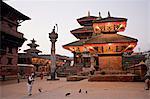 Matin culte, Durbar Square, patrimoine mondial de l'UNESCO, Patan, Katmandou, Népal, Asie