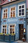 Bar dans la vieille ville, à Riga, en Lettonie, pays baltes, l'Europe