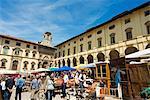 Foire/salon Antiquarian en Piazza Vasari, Arezzo, Toscane, Italie, Europe