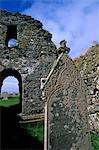 Eglise St. Olaf norrois Lunda Wick, construit vers 1200 et encore utilisés en 1785, cimetière possède deux pierres de memorial pour Brême marchands, décédé au XVIe siècle, Unst, îles Shetland, Ecosse, Royaume-Uni, Europe