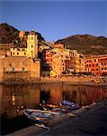 Port de Vernazza, Vernazza, Cinque Terre, l'UNESCO World heritage Site, Ligurie, Italie, Europe