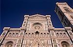 Façade de marbre polychrome de la cathédrale Santa Maria del Fiore et de Giotto campanile, patrimoine mondial UNESCO, Florence, Toscane, Italie, Europe