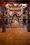 Intérieur du temple rénové, Si Jingang, Kangding, Sichuan, Chine, Asie