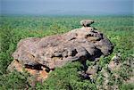 Partie de Nourlangie Rock, établissement autochtone sacrée et le site d'art rupestre Kakadu National Park, patrimoine mondial de l'UNESCO, Northern Territory, Australie, Pacifique