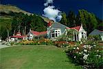 Walter Peak, une célèbre station de moutons vieux fondée en 1860 sur le rives du lac Wakatipu, Ouest Otago, île du Sud, Nouvelle-Zélande, Pacifique