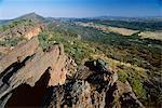 Regardant vers le nord du Mont Ohlssen Bagge, sur l'escarpement de Wilpena Pound, grand bassin naturel dans le Parc National des Flinders Ranges, Australie-méridionale, Australie Pacifique