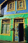 Detail der bemalten Fassade, Castro, Insel Chiloe, Chile, Südamerika
