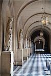 Statuen, Kolonnade, Schloss Versailles, Versailles, Frankreich