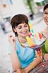 Freundinnen genießen icecream