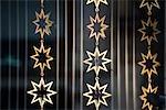 Guirlandes dorées en forme d'étoile