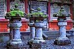 Lanternes de pierre au Nikko Toshogu Shrine, Nikko, Japan