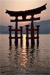 Torii Gate, Itsukushima Shrine, Itsukushima, Hatsukaichi, Hiroshima Prefecture, Japon