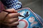 Design dessin personne sur plaque, Vietri sul Mare, Amalfi Coast, Campania, Italie