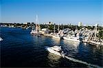 FT. LAUDERDALE FL BOATS ALONG INTERCOASTAL WATERWAY