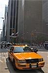 Taxi jaune à New York City, New York, États-Unis