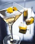 Jaune Martini avec pansy jaune comestible