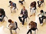 College-Studenten unter Test im Klassenzimmer
