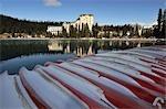 Canots, lac Louise et Chateau Lake Louise, Parc National Banff, Alberta, Canada