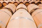 Tonneaux de vin de Château Lynch-Bages, Pauillac, Gironde, Aquitaine, France