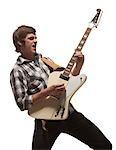 Junger Mann Gitarre spielen, Studioaufnahme