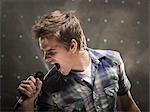 Junger Mann singen, Studioaufnahme
