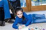 Jeune fille, à colorier avec marqueurs