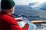 Péninsule de l'Antarctique, l'Antarctique Antarctic Sound. Voile à travers le son, autrement connu comme Iceberg Alley australien artiste Noel Miller capte la scène.